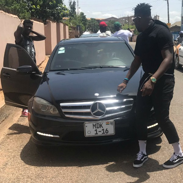 Medikal Reportedly Involved In A Car Accident 2 (1)1