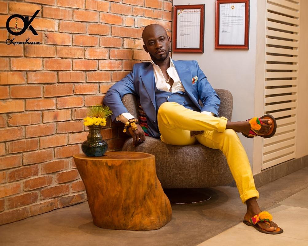 Okyeame Kwame Goes Bald